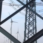 Windturbines en hoogspanningsmasten